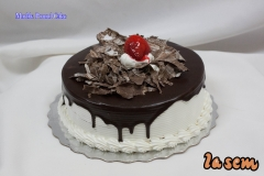 Retail Cake #13